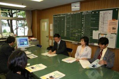 2006年9月27日(水) 都立中野養護学校を視察