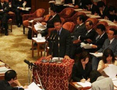 2006年11月29日(水) 経済産業委員会で答弁に立つ