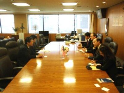 2009年12月18日(金)ジョン・V・ルース駐日米国大使の訪問を受けました