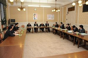 政治改革推進本部役員会で企業・団体献金禁止の議論
