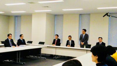 立憲民主党の第一回常任幹事会が開催